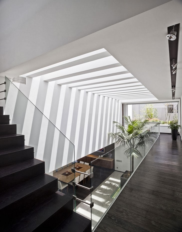 Interior bridges in Contemporary Casa Río Hondo in Mexico City
