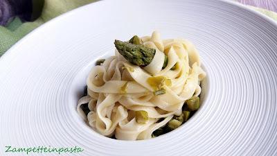 Tagliatelle agli albumi con asparagi - Pasta fresca con albumi