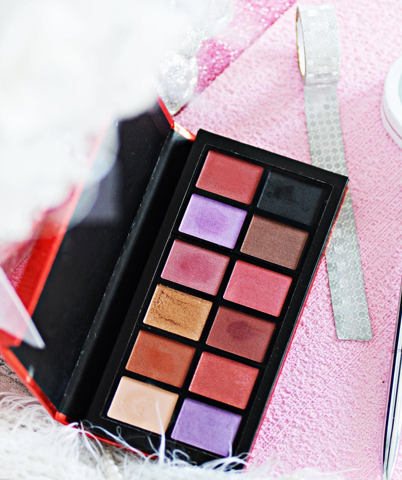 makijażowe nowości makeup revolution, paleta dragons heart, kolory, swatche