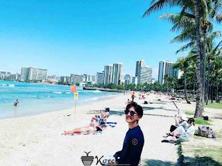 Foto Donghyuk iKON Di Pantai