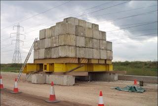 tumpukan blok-blok beton yang digunakan untuk pengujian