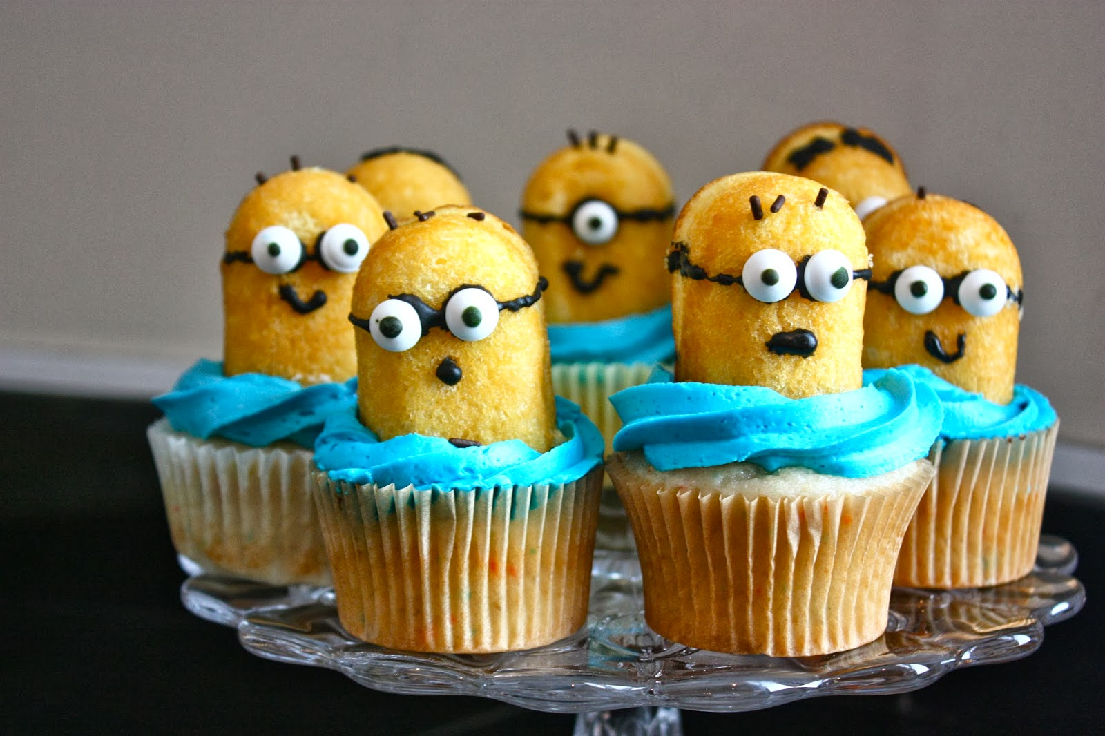 Who doesn't love those crazy and adorable little yellow minions? They're everywhere these days: movies, games, clothing, theme parks, and even made an appearance at the Oscars.
