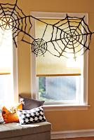 decoracion de halloween con telas araña