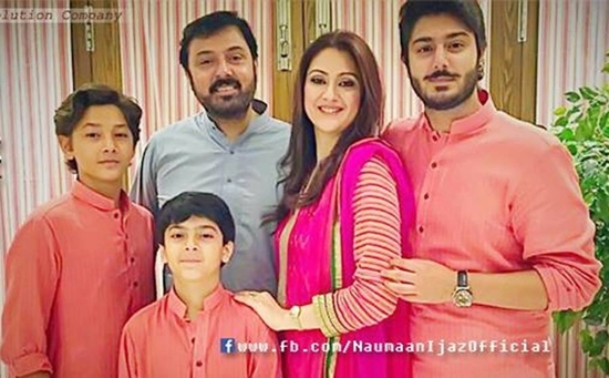 Noman Ijaz with his wife and children