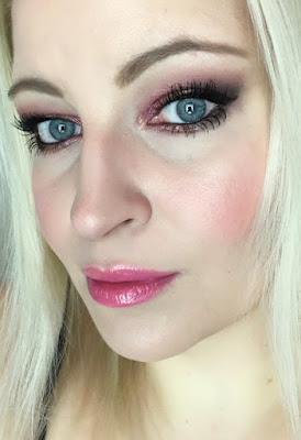 Valentinstag Make up Look Mac Burgundy Palette Mac Pink Pearl Pop