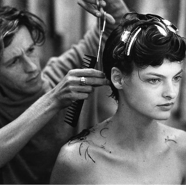 Linda-Evangelista-Cuts-Off-Her-Hair