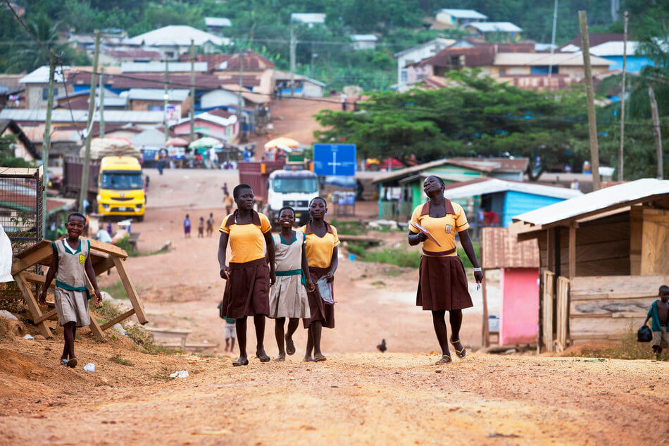 55 Stunning Photographs Of Girls Going To School In Different Countries - Ghana