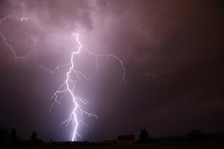 lightning (Image from Pixabay.com)