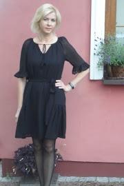 Czarna sukienka z żorżety :)
