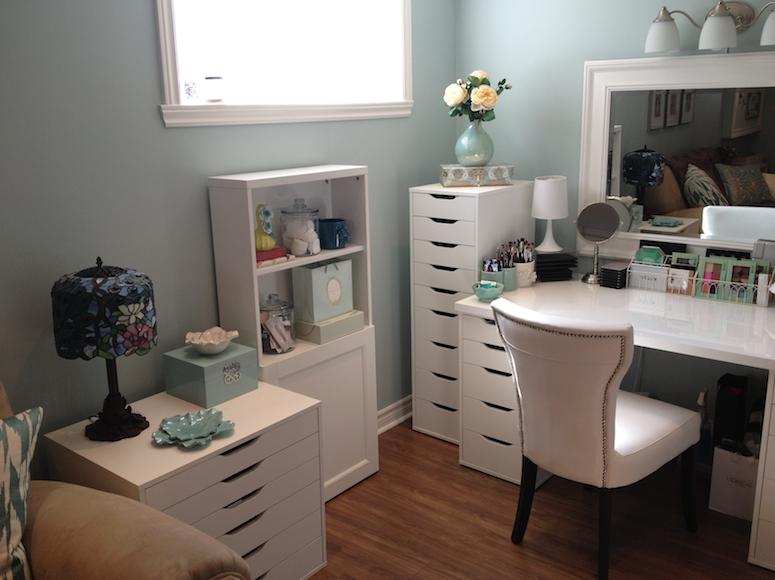 Maggie's Makeup: My Makeup Room on Make Up Room  id=75100