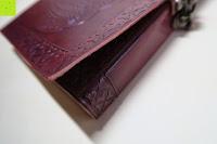 Buchdeckel wölbt sich: Creoly handgemachtes 'Day Of The Dead' Journal aus geprägtem Leder (15cm x 20cm)