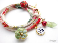 Chirimen fabric bracelet with beads
