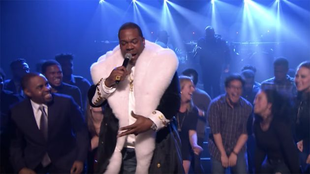 VÍDEO - The Roots, Busta Rhymes & Joell Ortiz – My Shot (Live on Fallon)