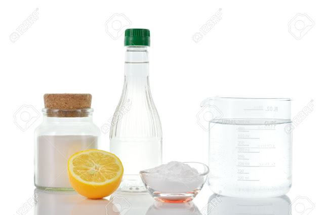 natural-cleaners-Vinegar-baking-soda-sal