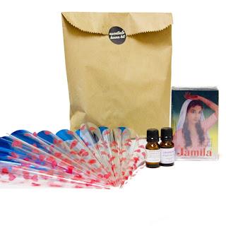 http://www.hennaart.ca/Essentials-Henna-Kit.html