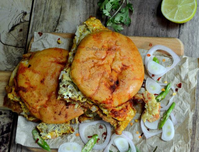 Street Style Masala Egg Bun | Bun Omelet