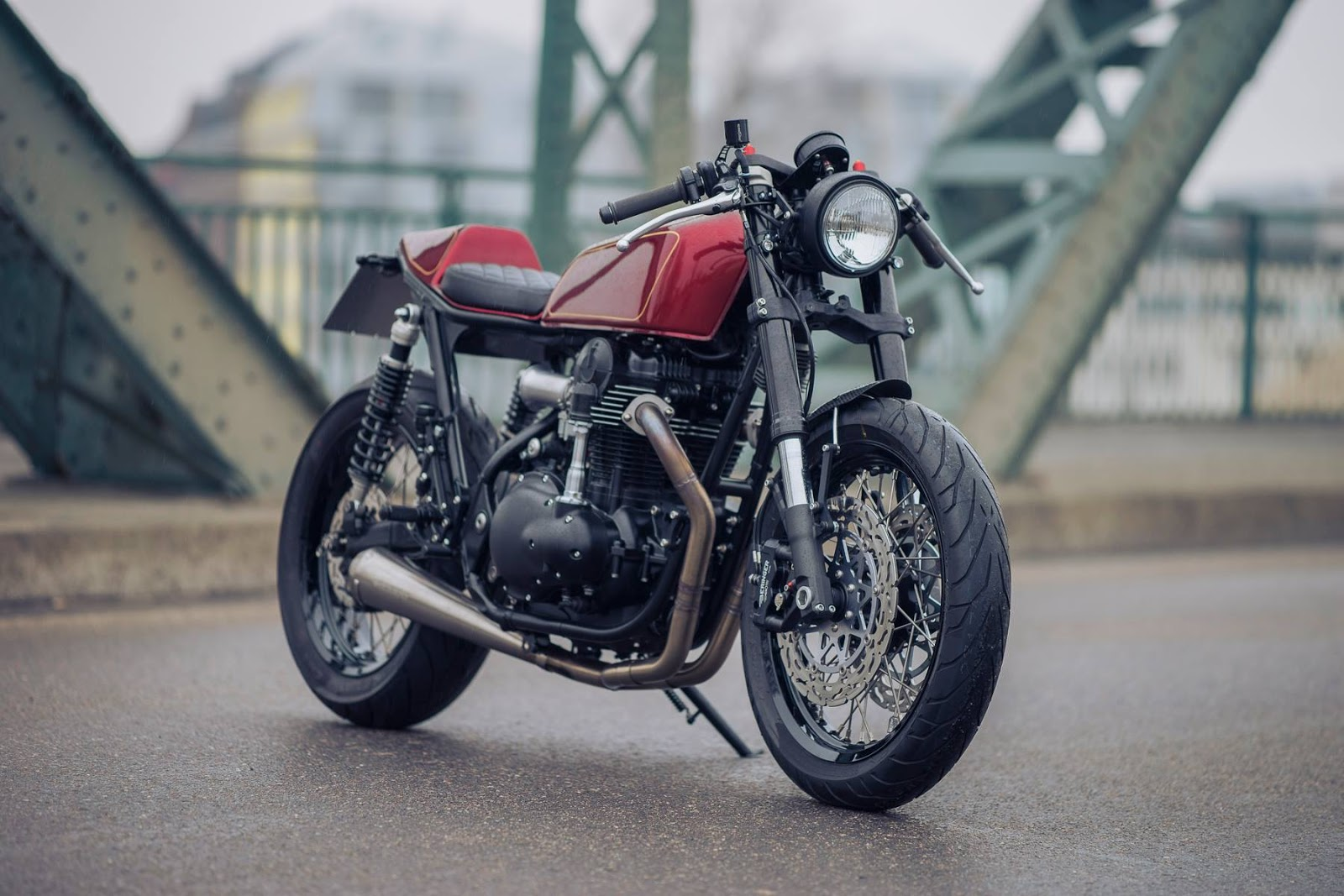 w650 cafe racer rocketgarage cafe racer magazine. Black Bedroom Furniture Sets. Home Design Ideas