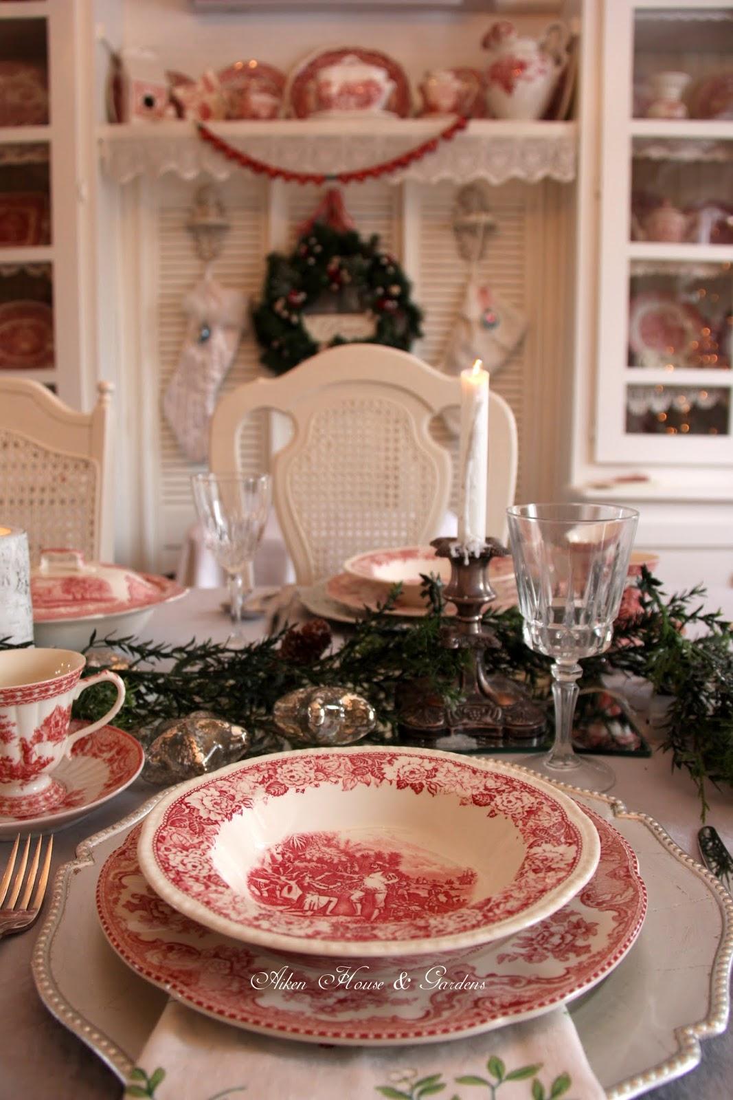 Aiken House Amp Gardens Red Amp White Christmas Tablescape
