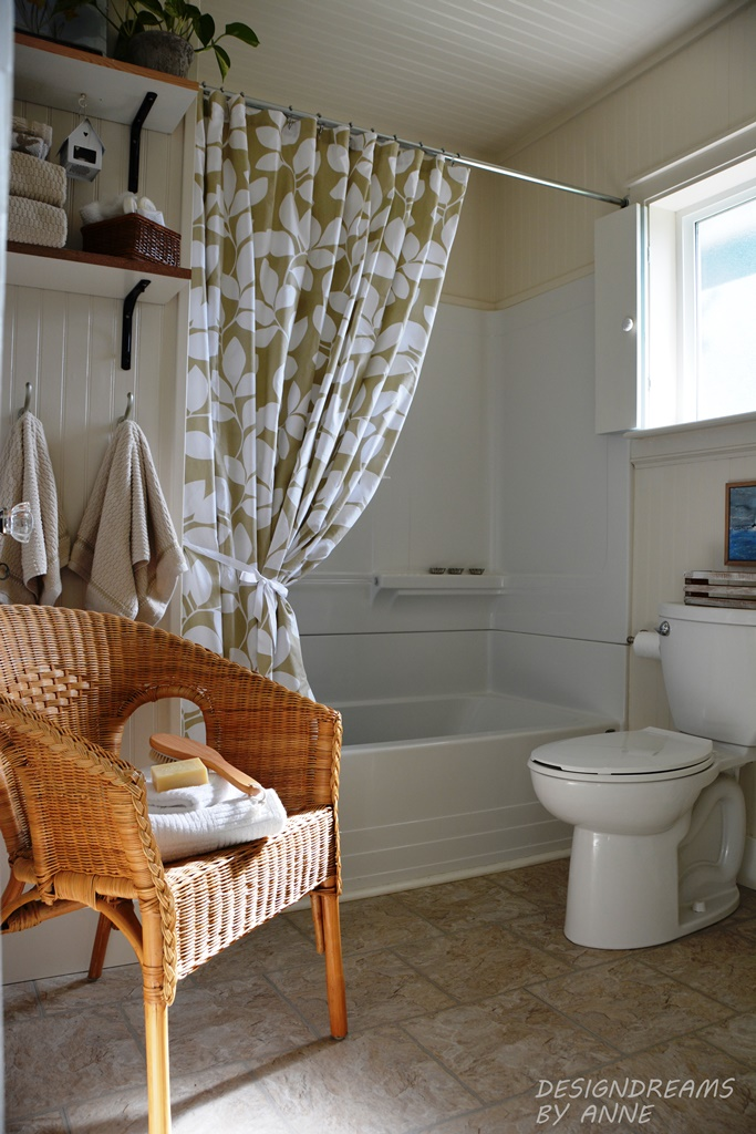 DesignDreams By Anne Beach Cottage Spa Bathroom