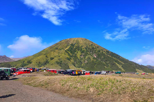 mount bromo tour, ijen bromo holiday, bromo ijen east java, bromo ijen bali, ijen bromo bali, ijen and mount bromo.