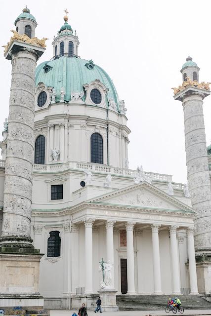 Wien, Karlskirche, Pomponetti