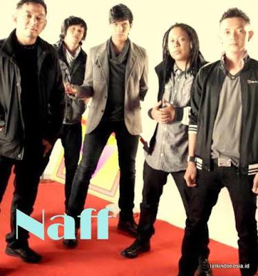 Lirik Kenanglah Aku Naff