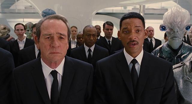 Men in Black 3 (2012) Dual Audio [Hindi-DD5.1] 1080p BluRay ESubs Download