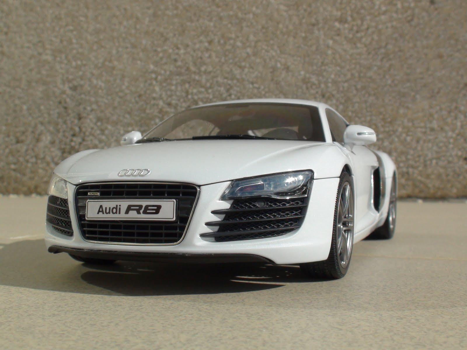 Pseudo Cars: Audi R8 4.2 FSI V8 - 2006