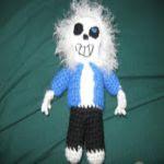http://cutecrochet13.blogspot.com.es/2016/06/sans-skeleton.html