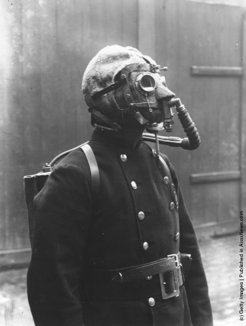 Old Photos of People with Gas Masks ~ vintage everyday