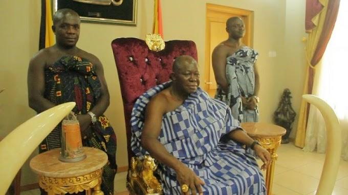 I can now listen to radio - Otumfuo tells Abusua FM's Kwame Adinkra