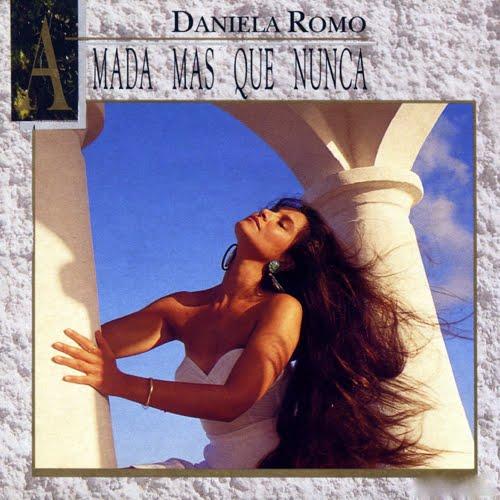 """BILBO'S LAPTOP: DANIELA ROMO, """"TODO, TODO, TODO"""""""