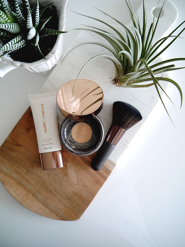 Nude By Nature Perfecting Primer, Radiant Loose Powder Foundation, mineral powder foundation brush