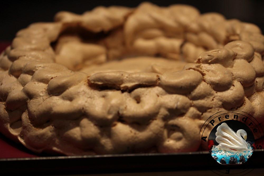 Pavlova aux marrons et pépites de chocolat (pas à pas en photos)