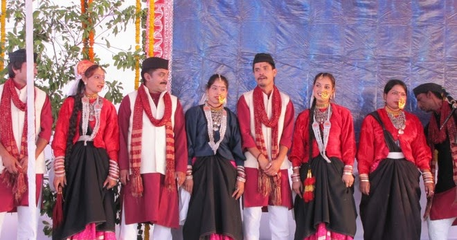 Traditional Dresses and Ornaments of Garhwal-Kumaon Stage ...