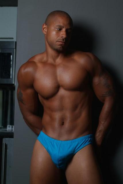 Pics of men in panties