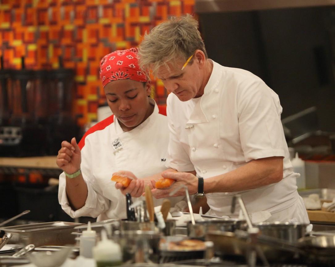 Hell's Kitchen - Season 12 Episode 14: 8 Chefs Compete