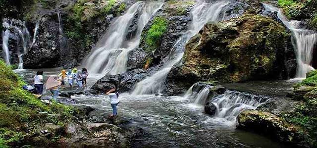 55 Tempat Wisata Alam Air Terjun Curug Danau Situ Pemandian Air Panas Di Sekitar Dekat Kota Bandung Majalengka Cianjur Bogor Karawang Kuningan Tasikmalaya Jawa Barat