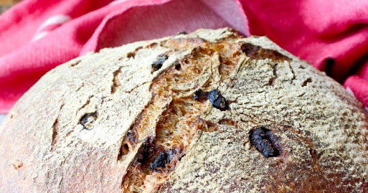 Fig and Walnut Bread | #BreadBakers