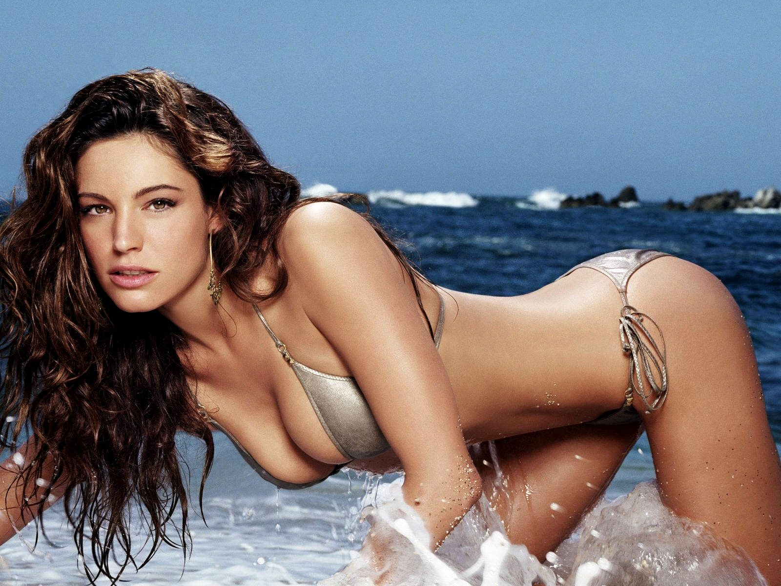 Kelly brook gallery that can