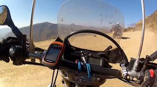 GPS devidamente instalado na moto.