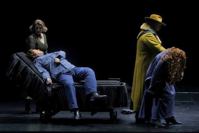 Wagner: Tristan und Isolde - Bayreuth Festival 2017 - Christa Mayer, Stephen Gould, Rene Pape, Petra Lang (Photo Bayreuther Festspiele/Enrico Narwath)