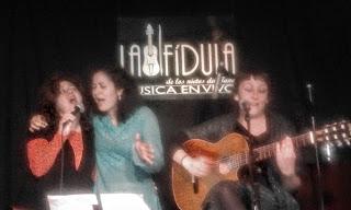 Sara Veneros, Lucía Molina y Matamoros.