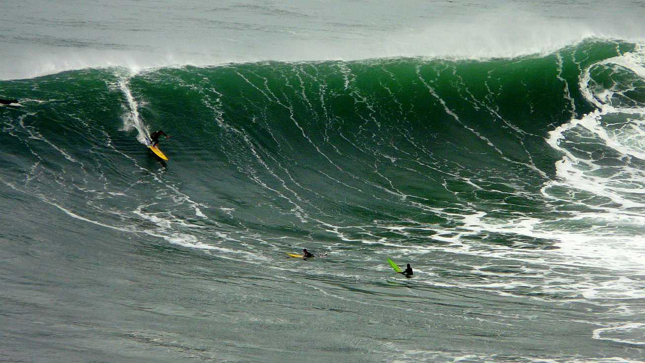 surf menakoz diciembre 2015 olas grandes 48