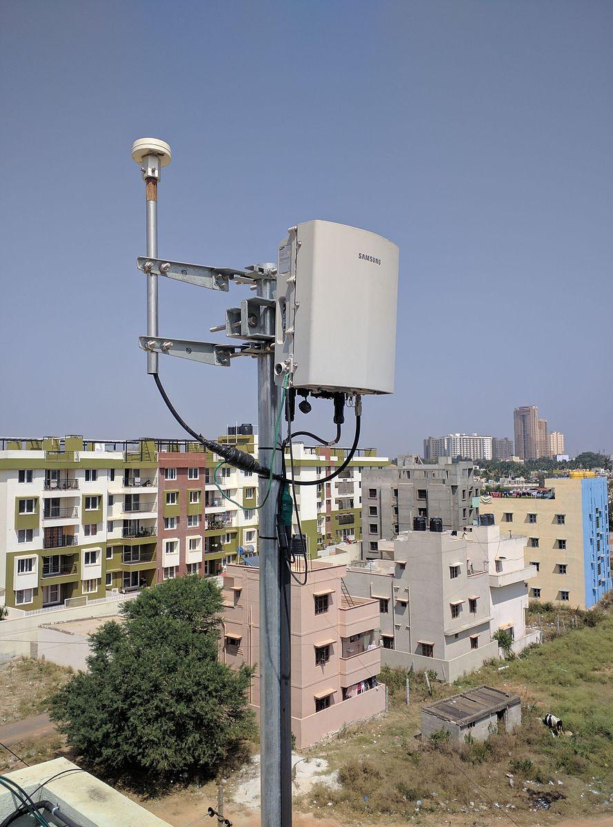 700mhz wireless penetrate buildings