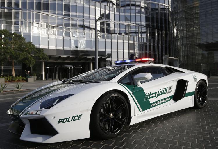 aventador Τα 10 ακριβότερα περιπολικά στο Ντουμπάι