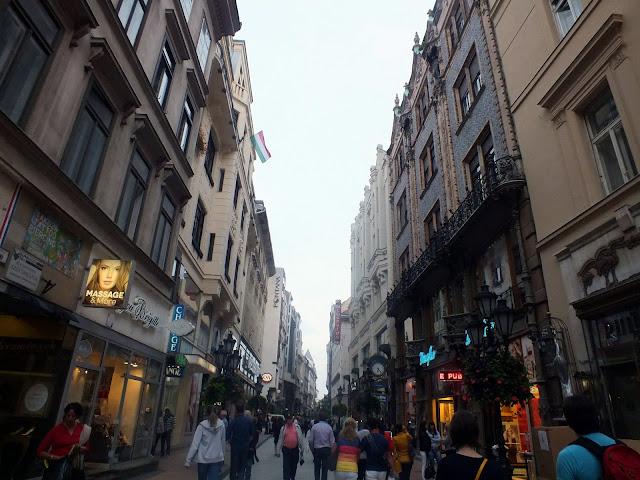 calle váci budapest