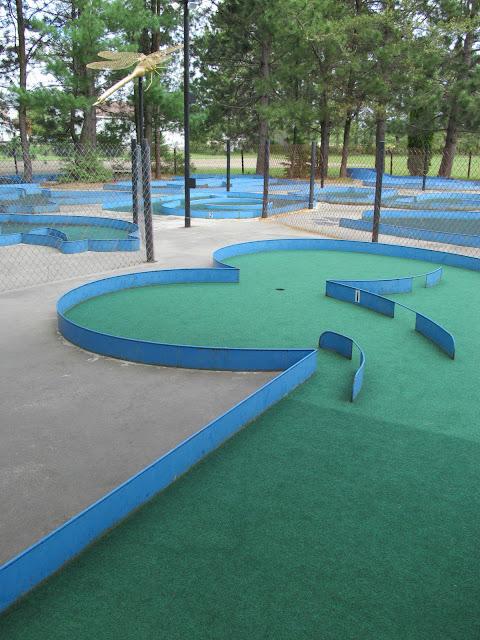 Dinosaur Valley Mini Golf. Photo courtesy of Josee Rainville