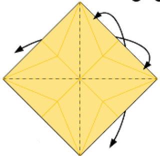 Bước 10: Gấp tạo nếp gấp về phía đằng trước