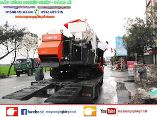 Bán máy gặt lúa kubota DC-70 thái lan cho khách hàng ở Thái Bình